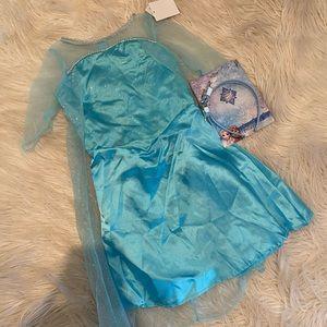 Disney's princess Elsa costume and headband (D)